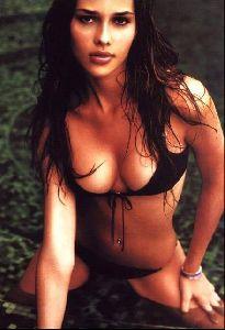 Female model ana beatriz barros : 23