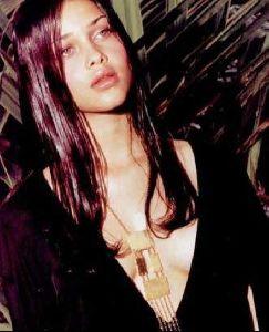 Female model ana beatriz barros : 63