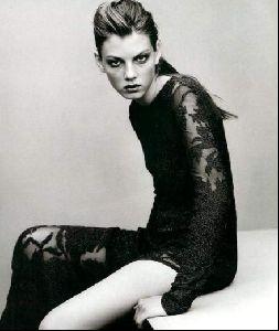Female model angela lindvall : 31