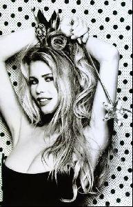 Female model claudia schiffer : 95