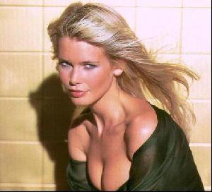 Female model claudia schiffer : 96