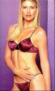 Female model daniela pestova : 2