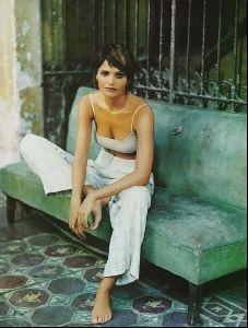 Female model helena christensen : 37