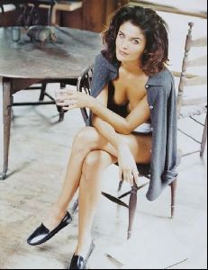 Female model helena christensen : 65