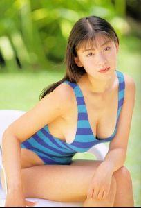 asian bikini models akiko hinagata : 2