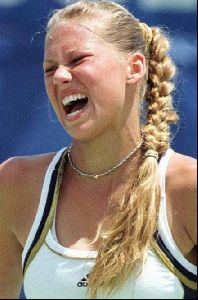 female athlete anna kournikova : 67