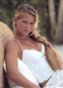 female athlete anna kournikova : anna11