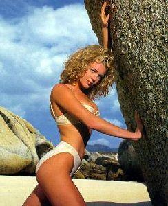 Rebecca Romijn : rr25