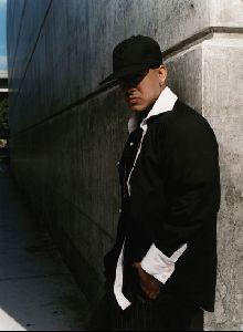Eliza Dushku : Daddy Yankee umvd019