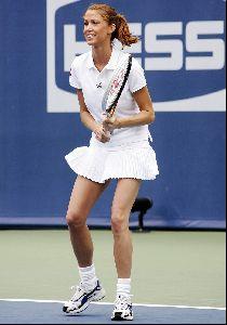 Shannon Elizabeth : shannon elizabeth tennis 4 big