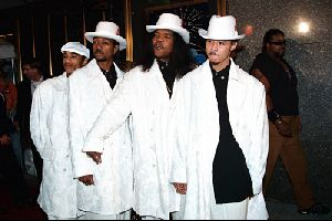 BONE THUGS N HARMONY : 1996 MTV Video Music Awar