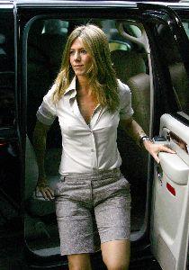 Jennifer Aniston : jennifer aniston pokie shirt 3 big